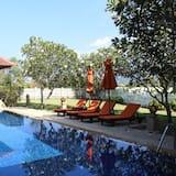 4 Bedrooms Villa - Terraza o patio