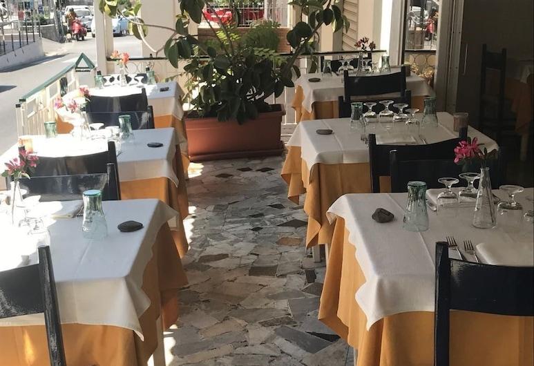 Albergo Pensione Cinquestelle, Centola, Outdoor Dining