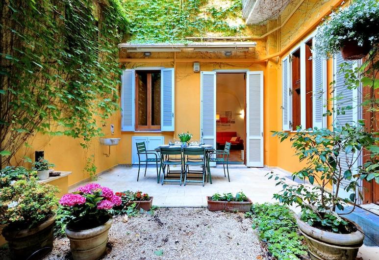 Rome Accommodation - Coronari, Rom, Apartment, Teres/Laman Dalam