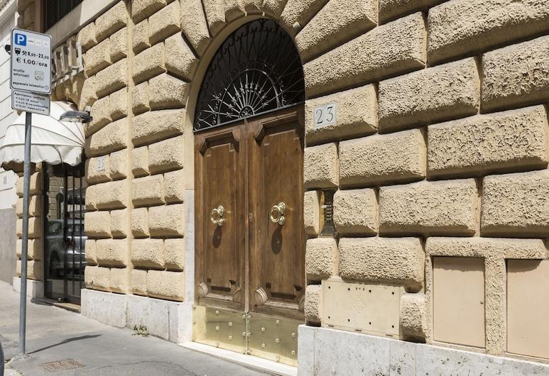 Rome Accommodation - Villa Borghese, Rom, Overnatningsstedets indgang