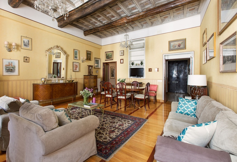 Rome Accommodation - Villa Medici, Roma