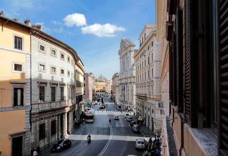 Rome Accommodation - Baullari, Rome, Apartment, 5 Bedrooms, City View