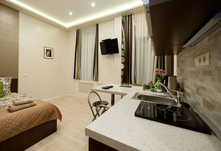 Budapest Holidays Apartments, Budapest, Deluxe Studio, 1 Queen Bed, Private kitchenette