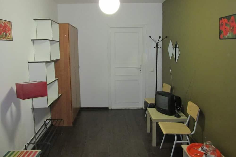 Divvietīgs numurs, koplietojuma vannasistaba - Dzīvojamā zona