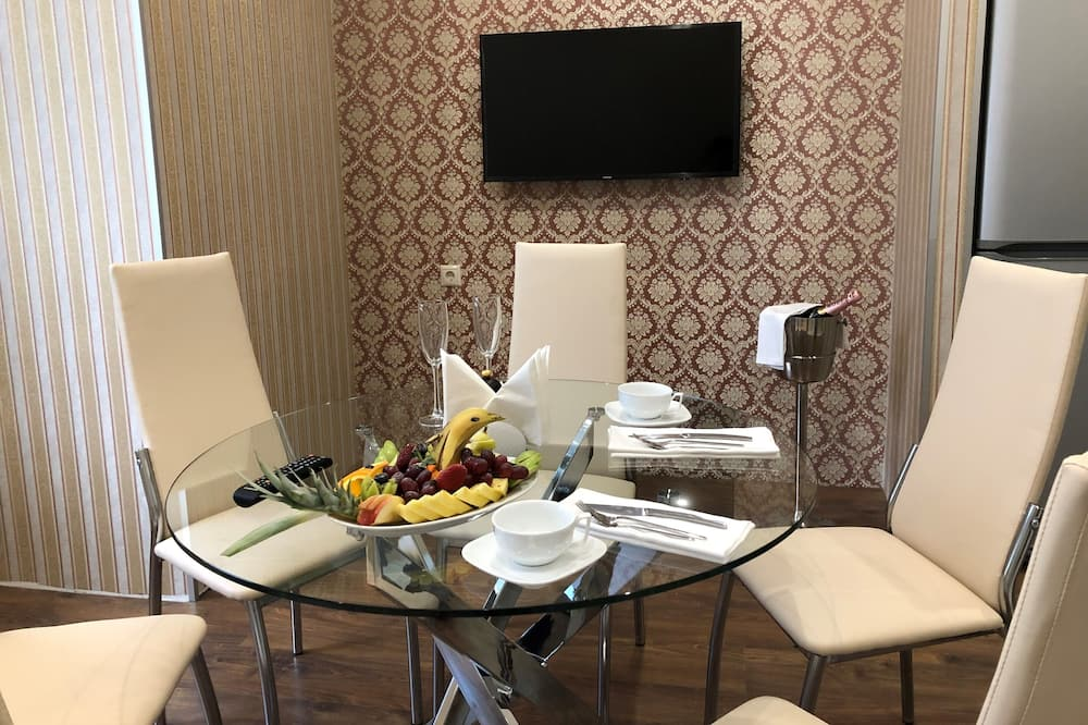 Suite familiar - Servicio de comidas en la habitación
