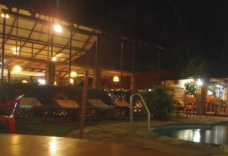 Outpost Lodge, Αρούσα, Εξωτερικός χώρος