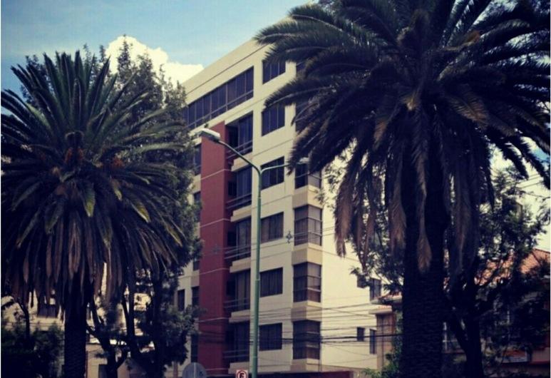 Hostal Costa de Marfil, Cochabamba, Hadapan Hotel