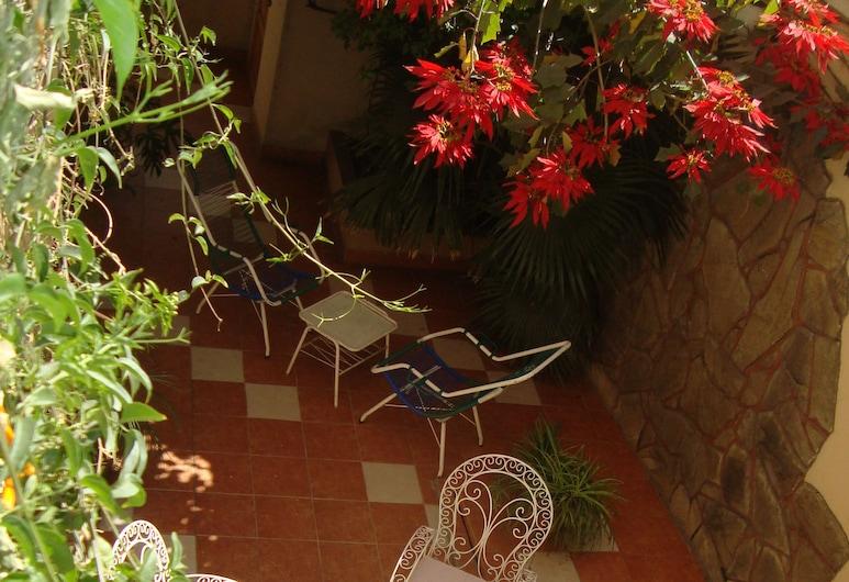 Hostal Versalles, Cochabamba, Terraza o patio