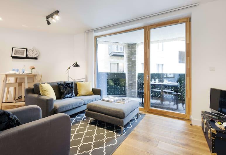 The Shalfleet Drive Apartment - ATN, London