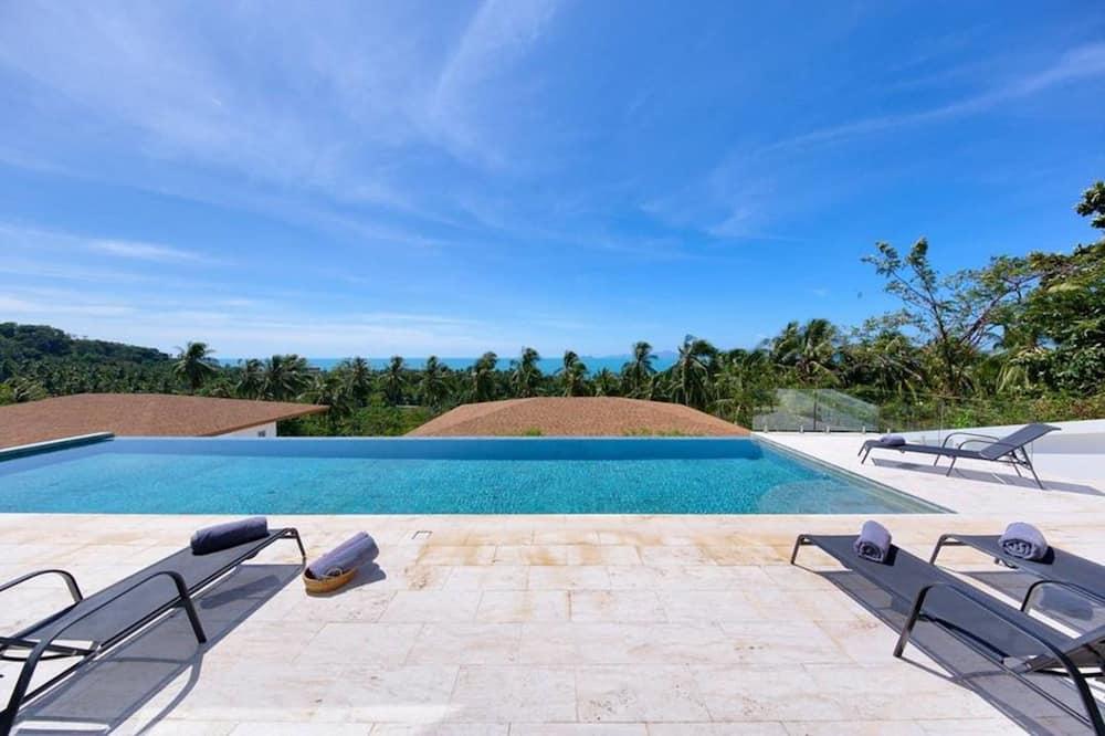 6 Bedrooms Villa - 露台
