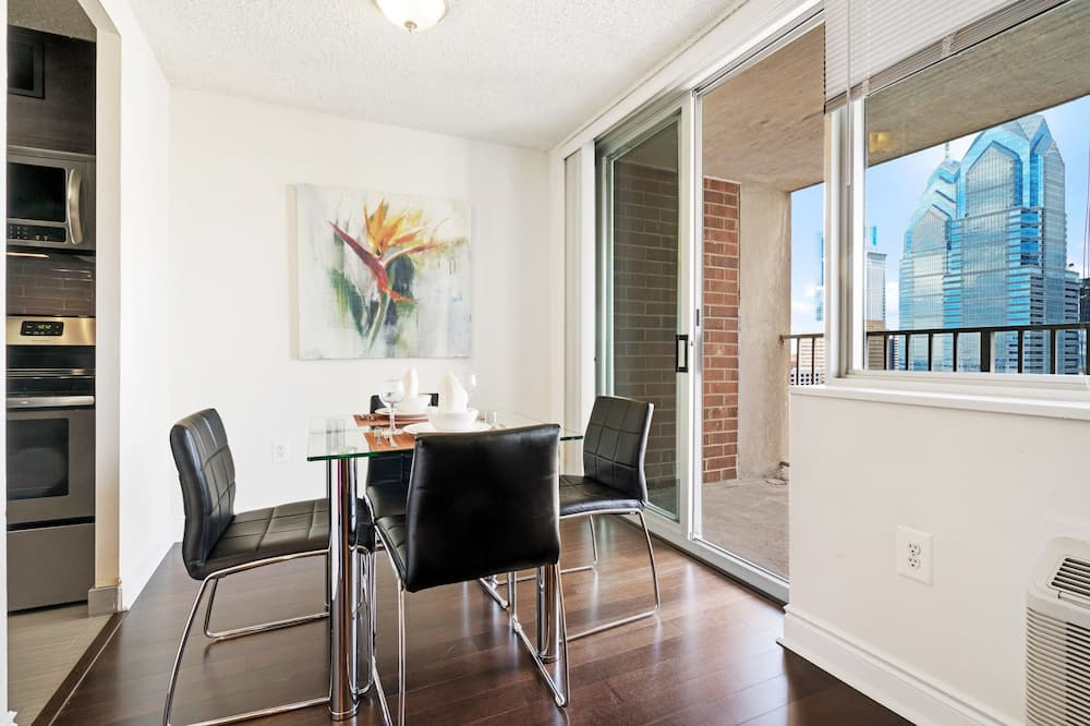 Luxury-Apartment, 2Schlafzimmer - Essbereich im Zimmer