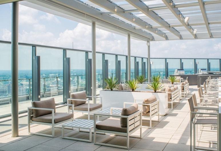 Bluebird Suites at Park Crest, McLean, Lobby Sitting Area