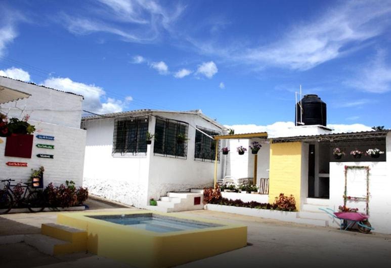 Nahui Hostal, Nahuizalco
