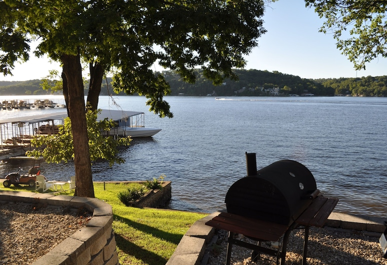 Lake Breeze Resort & Terrace, Camdenton