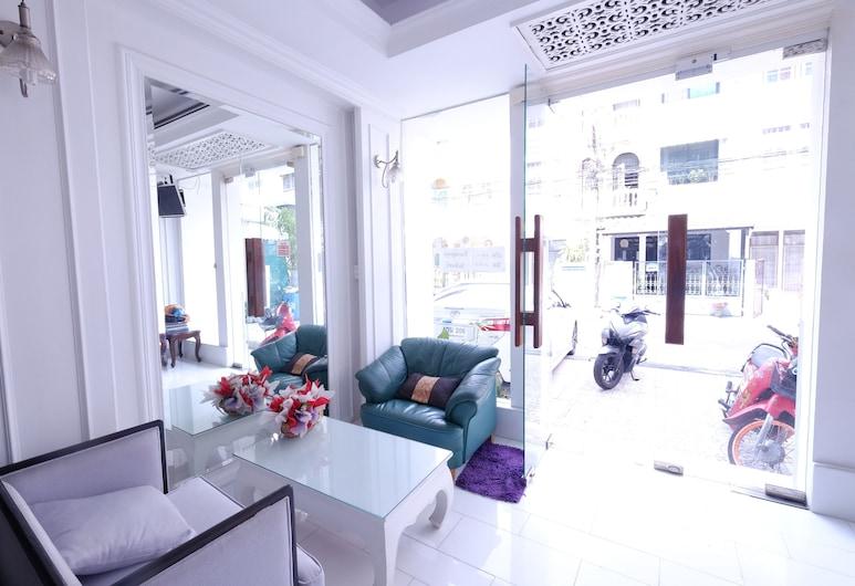 Ratchada-Sutthisan Hotel and Longstay, Bangkok, Sitzecke in der Lobby