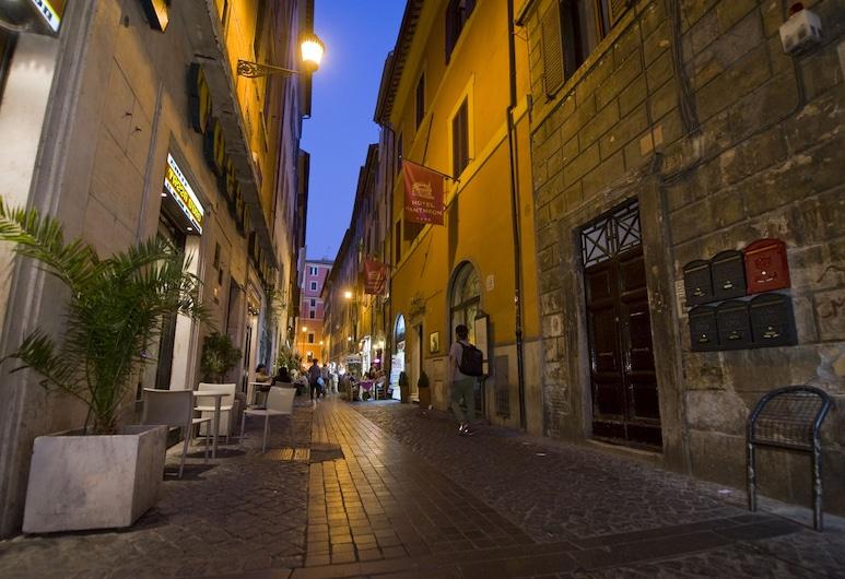 波普藝術民宿, 羅馬, 外觀