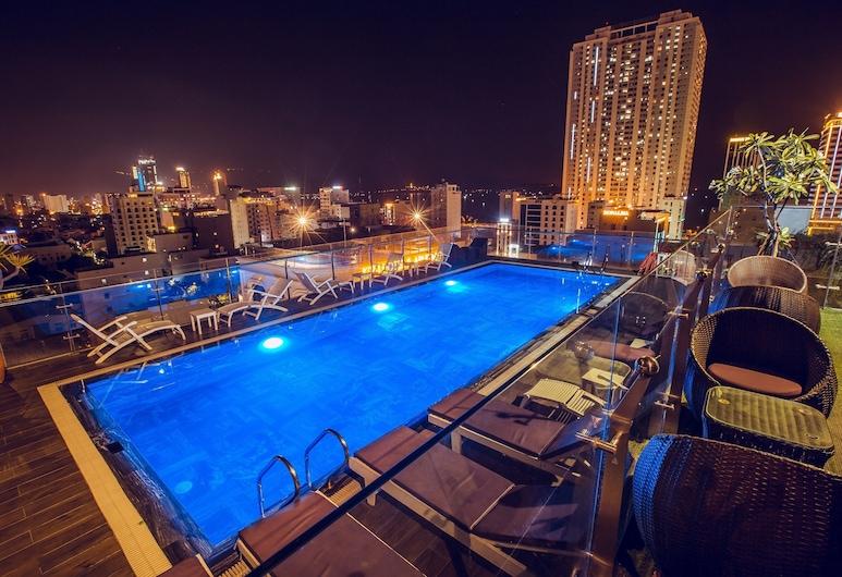 Aria Grand Hotel & Spa, Da Nang, Bazén na střeše