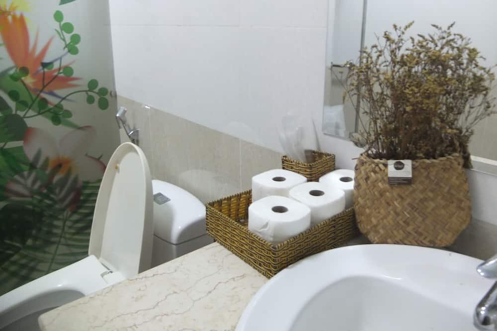 Dormitorio compartido, solo para mujeres - Baño