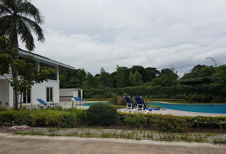 3 Bedroom Home at Batangas City Philippines Pontefino, Batangas City, Outdoor Pool