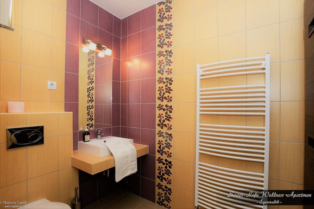 高級客房, 1 張加大雙人床, 花園景 - 浴室