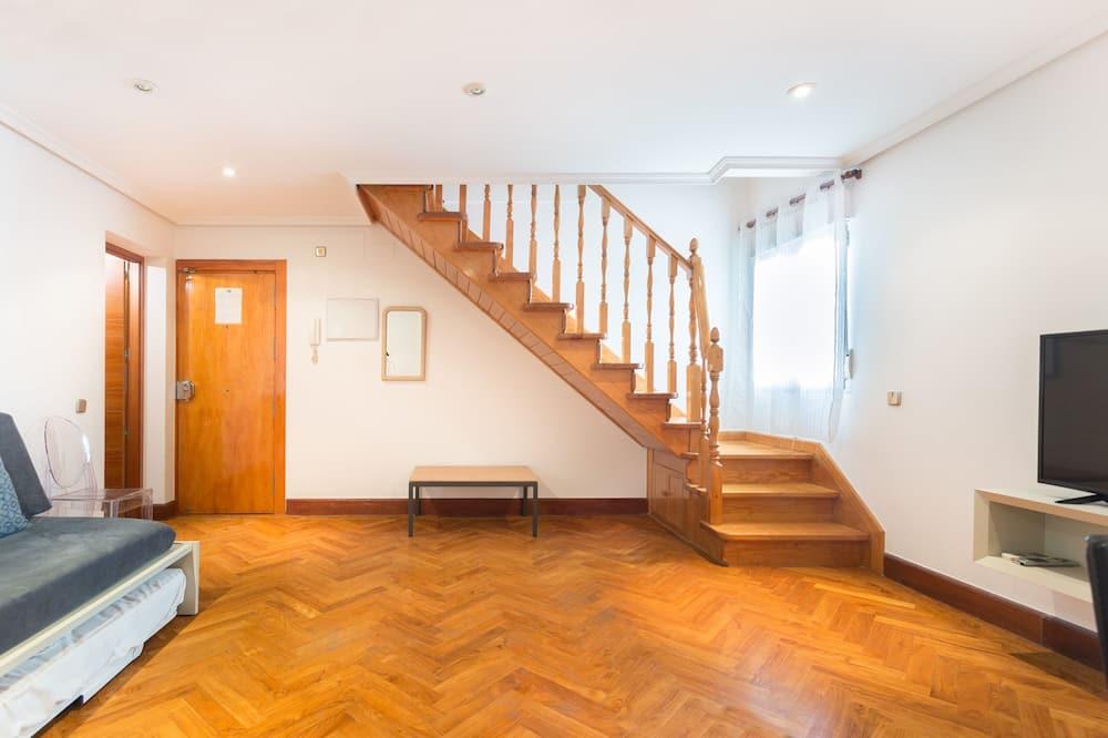 Duplex, 2 Bedrooms - Living Room
