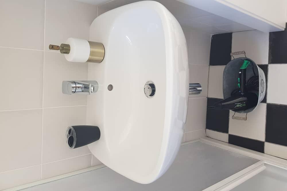 Zimmer, Gartenblick - Badezimmer