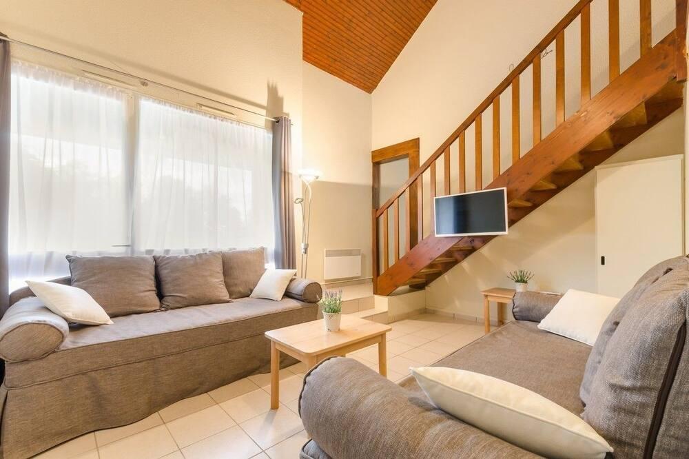 Kotedža, četras guļamistabas - Dzīvojamā istaba