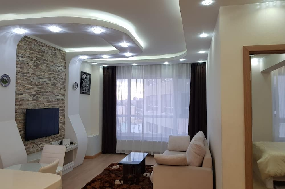 Luxury Apartment, 2 Double Beds - Living Area