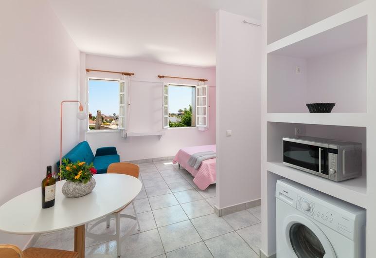 New Studio Flat in Old Town Rhodes, Rhodes, Design Studio, Non Smoking, Private kitchenette