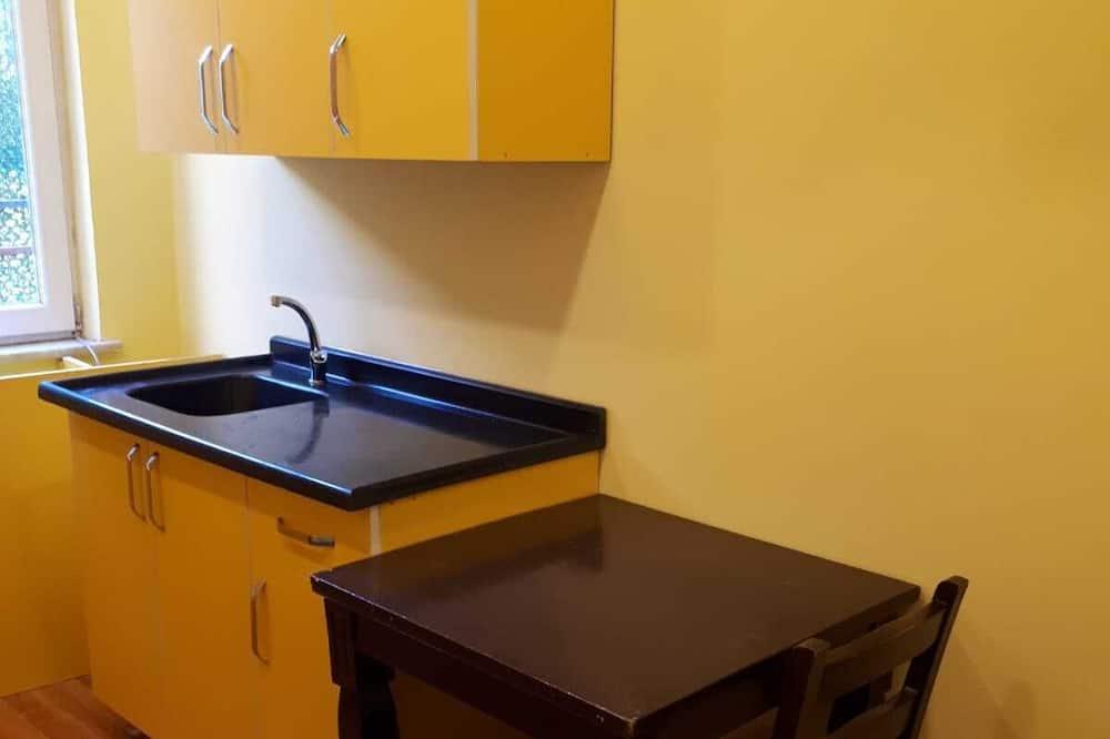 Family Room, 1 Bedroom - In-Room Dining