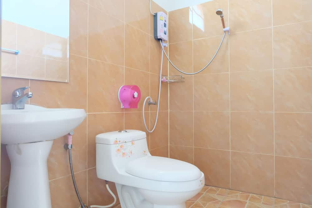 Standard Double Room  - Badezimmer