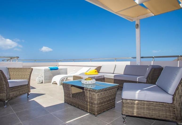Evelyn Hotel, Khania, Lakosztály, pezsgőfürdő, kilátással a tengerre, Terasz/udvar