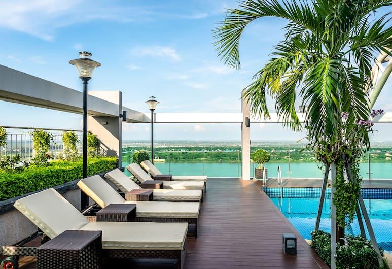 Infinity 28 Condominium, Phnom Penh, Zwembad op dak