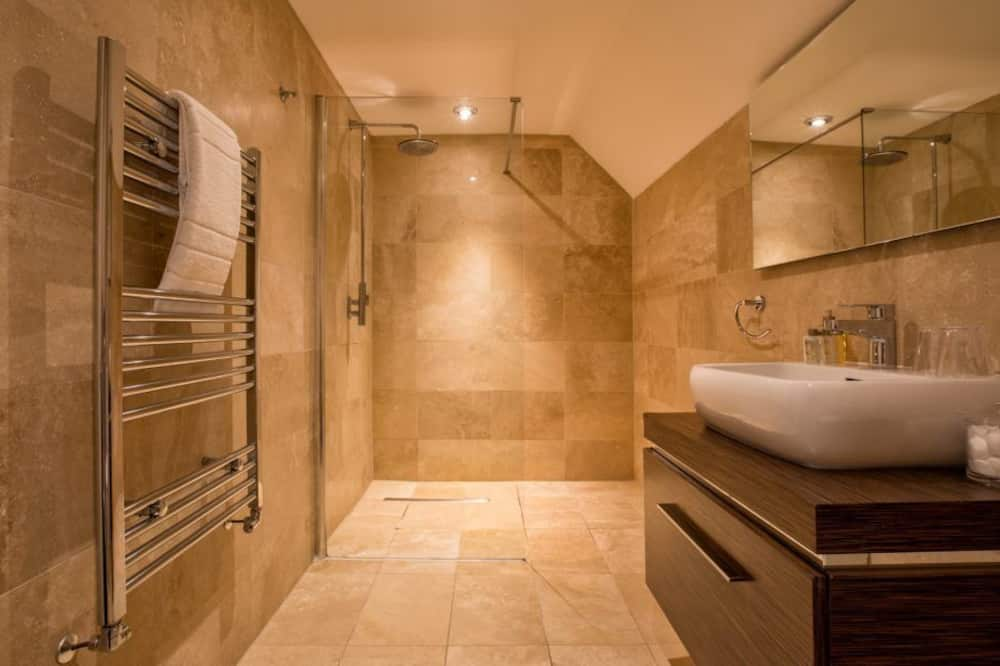 (Bridal Suite) Super King with Lake View Ensuite Rm 2  - Bathroom