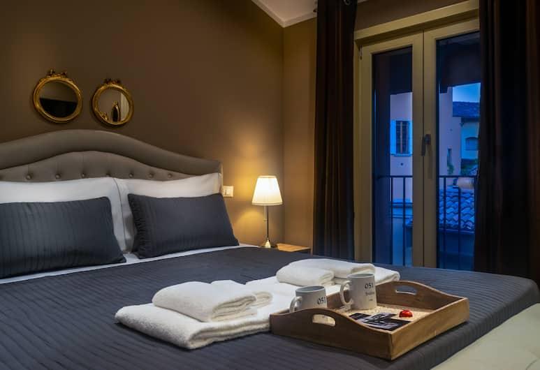 051Suites, Bologna, Junior Suite, 1 Queen Bed, Non Smoking, Guest Room