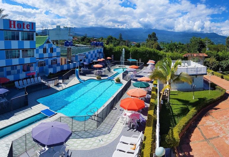 هوتل بارسيلونا تشيناوتا, فوساجاسوجا, حمام سباحة