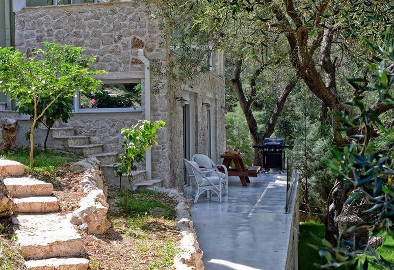 Mavres Luxury Studio, Corfú, Terraza o patio