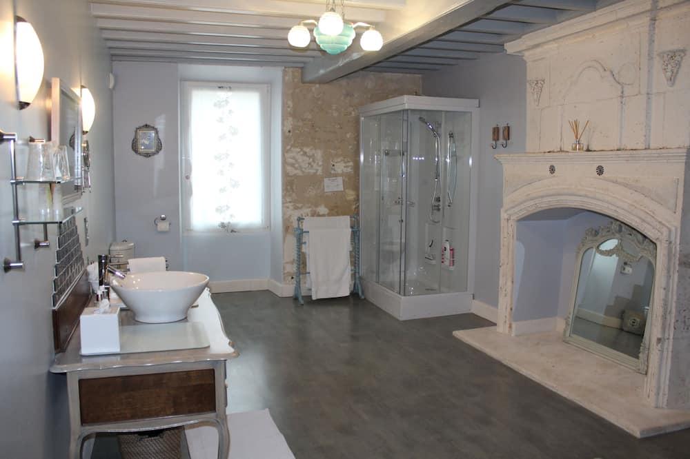 Double Room, Courtyard View (Le Jardin) - Bathroom