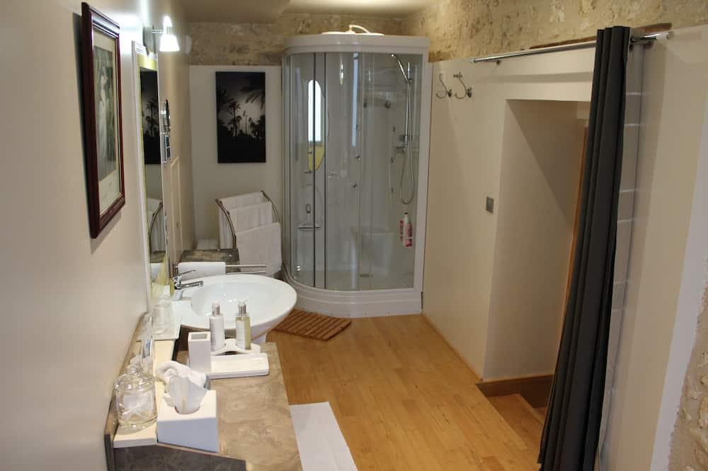 Double Room, City View (La Place ) - Bathroom