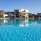 天际游泳池