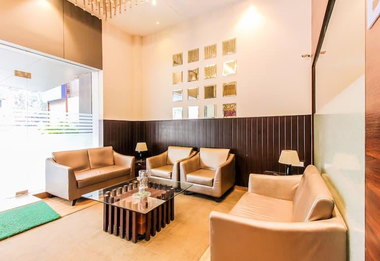 FabHotel Regal International Andheri, Bombay, Lobi Oturma Alanı