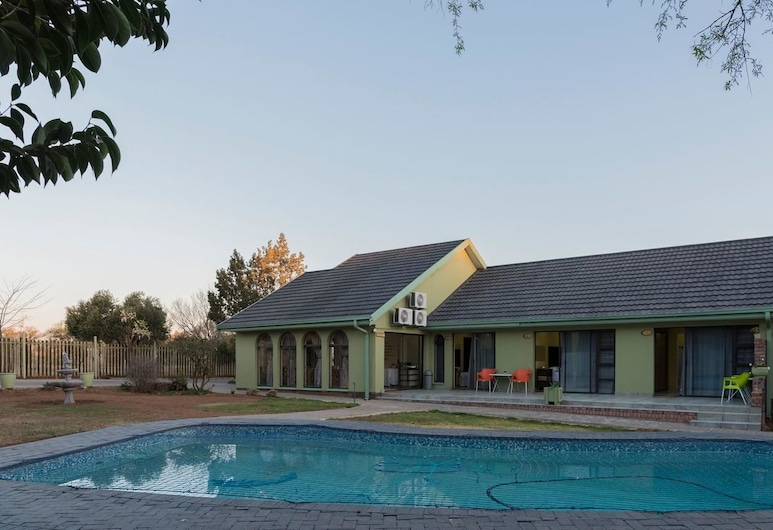 Unirift Guesthouse, Bloemfontein, Außenpool