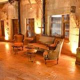 Balayi Suit Jakuzili 4 - Living Area