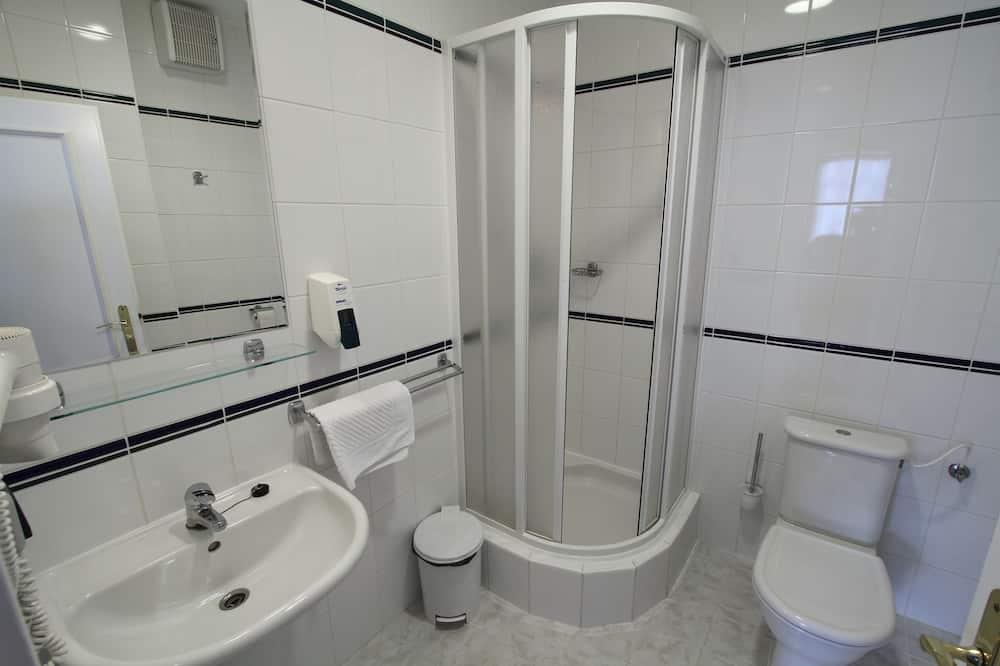 Klassieke kamer, 1 twee- of 2 eenpersoonsbedden - Badkamer