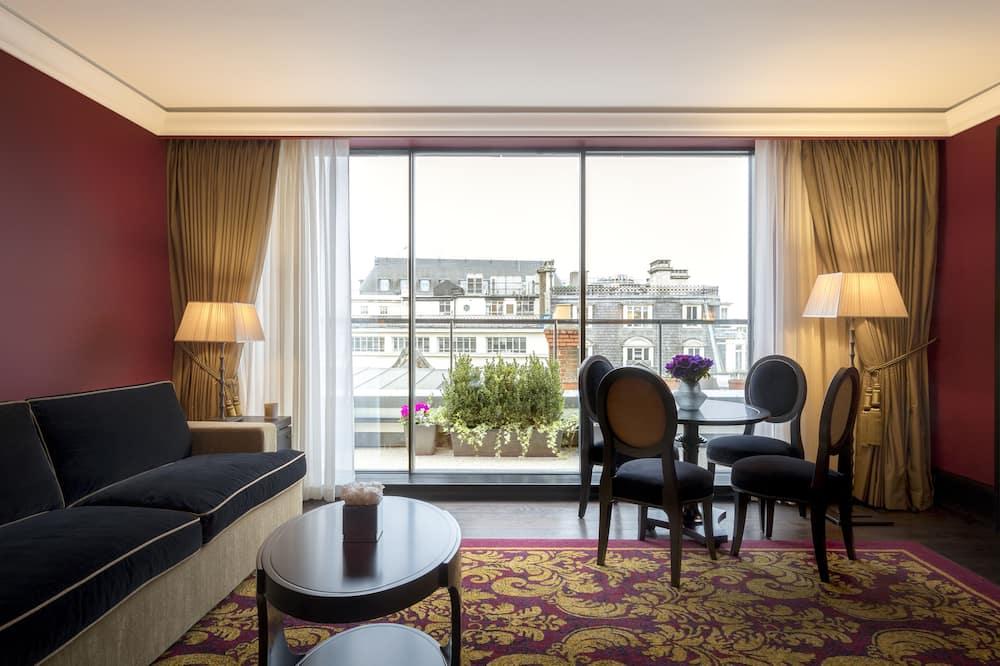 L'oscar Suite - Living Area