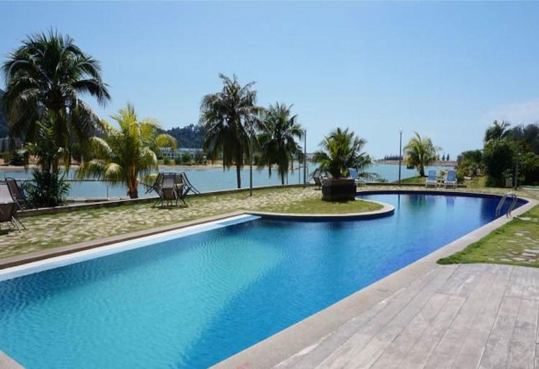 Marina Island Apartment, Lumut, Piscina