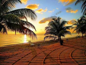 ภาพ Jungle Jeanies Beach Cabanas ใน Hopkins