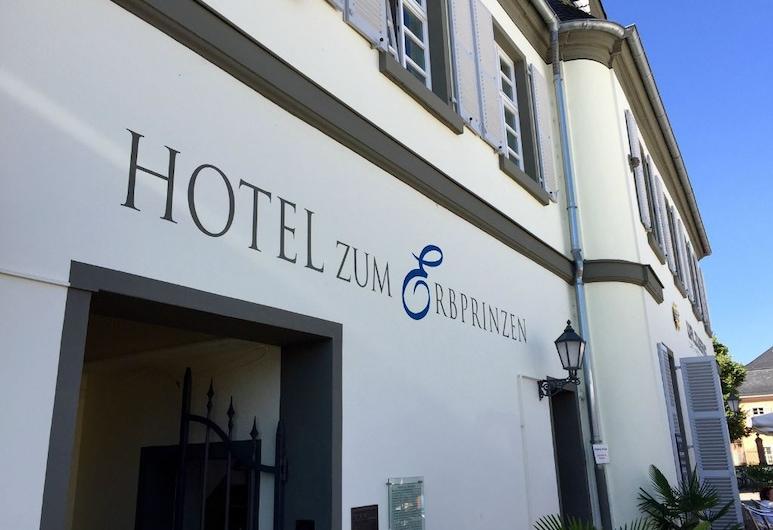 هوتل تسوم إربريتتسن, شفيتزنجين, واجهة الفندق