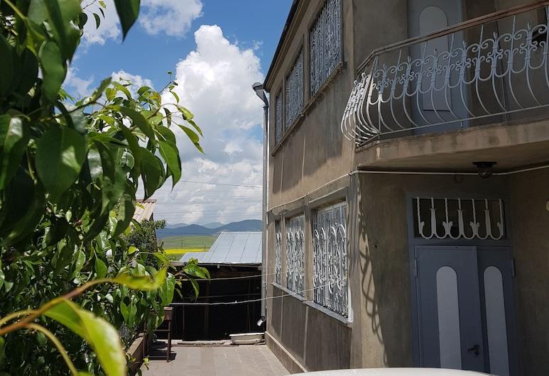 Mountain Lake Villa B&B, Sevan