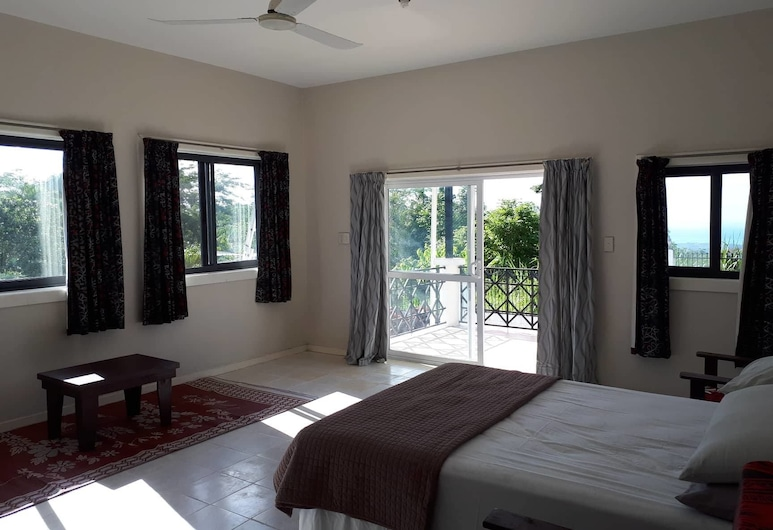 Hilltop Holiday, Apia, Panoramic House, 3 Bedrooms, Hill View, Mountainside, Room